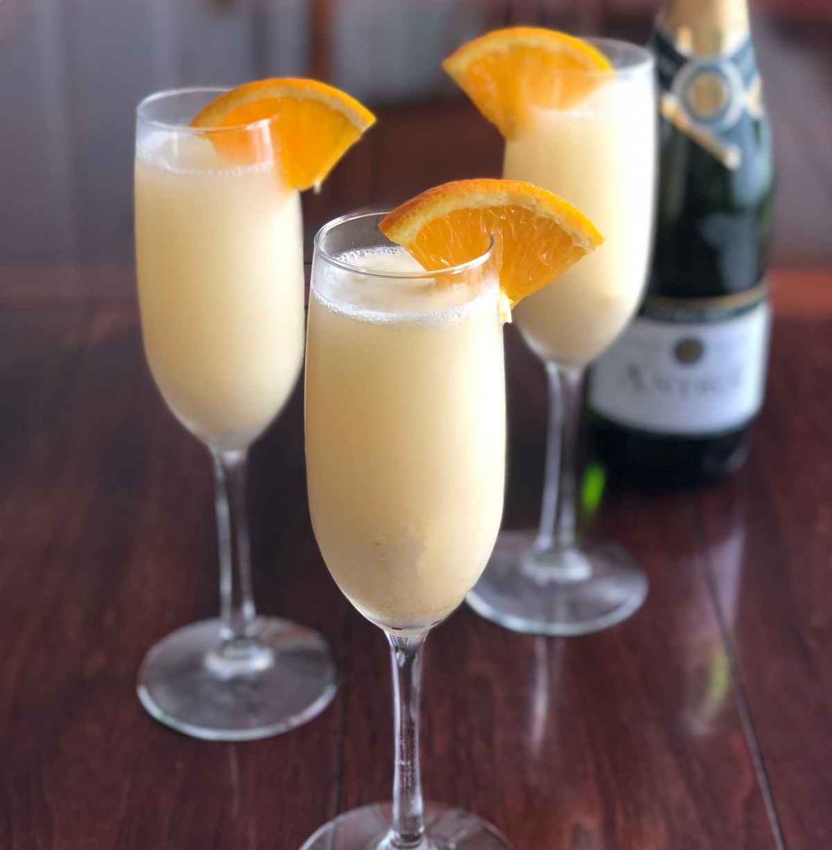 Creamsicle Mimosas #creamsiclemimosa #mimosarecipes #mimosas #brunch #brunchrecipes #mothersdaybrunch #creamsicle