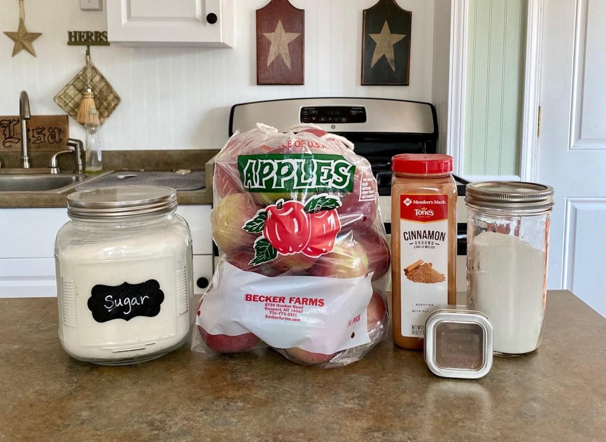 Pressure-Cooker Cinnamon Applesauce ingredients list #pressurecookerrecipes #pressurecookerapplesauce #instantpotrecipes #instrantpotapplesauce #homemadeapplesauce #applesauce #applepickingrecipes