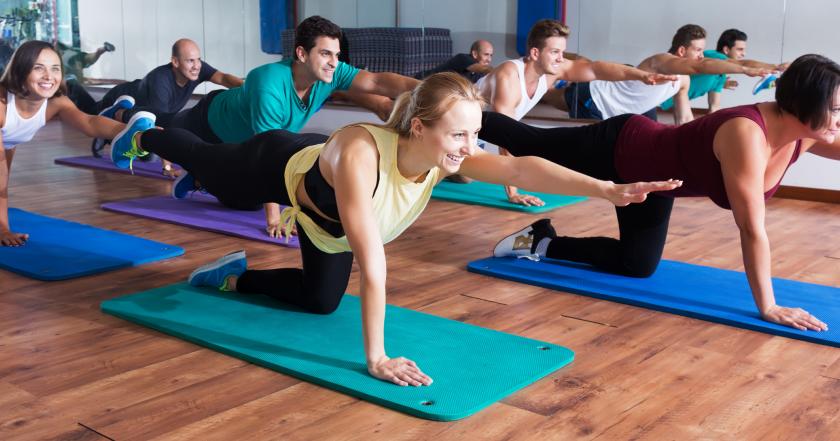 Endlich-Wochenende-Yoga