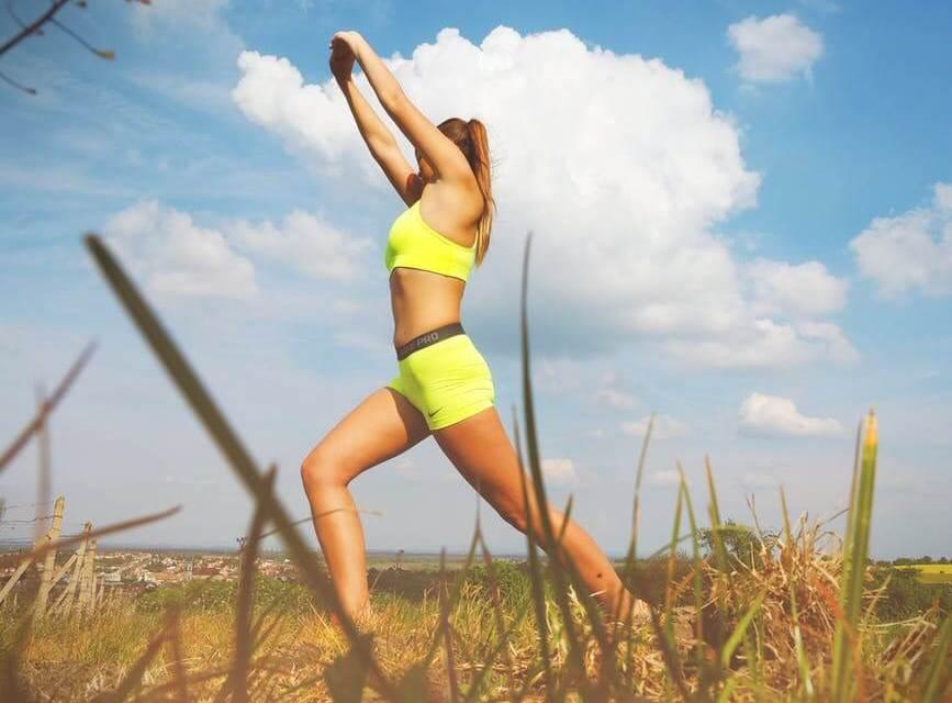 10 jednoduchých cvičení, jak zhubnout stehna a zadek