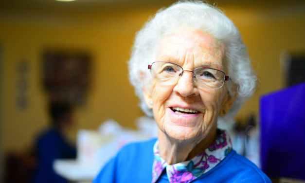 20 nápadů na dárek pro babičku, který ji udělá radost
