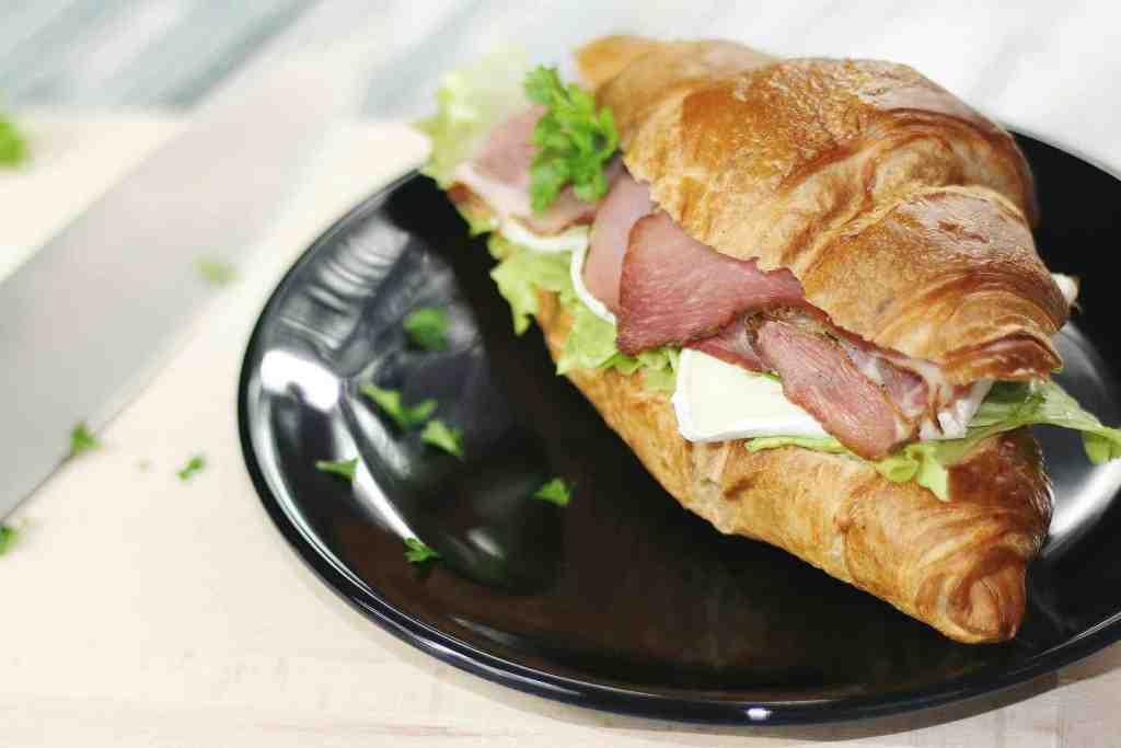 zdravá večeře croissant