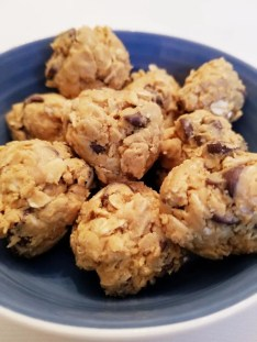 Peanut Butter Energy Balls - Easy Snack for Kids & Adults