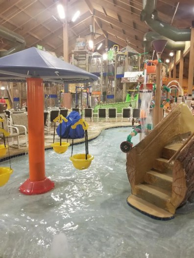 15 Tips for your First Visit to the Wilderness Resort Wisconsin Dells, Families have so much fun at this resort between all the cool things to do like pools, arcade, go karts, laser guns and ropes course your family will love it. Be prepared for you trip with tips on where to park, which room to stay in, restaurants to eat at, activities to do and more. #WildernessResort, #wisconsinDells, #familytravel, #familytrip, #traveltips