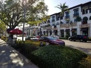 5th Avenue South a fun place to shop and eat while in Naples florida