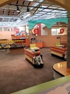 Kohl Children's Museum Ideas and tips to plan your visit. Need Things to do in Chicago? This great children's Museum has amazing hands on exhibits and fun kids activites all will love. Use this guide to prepare for a wonderful visit! #childrensmuseum, #playkcm, #thingstodochicago, #kohlmuseum