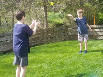Water Balloon toss is a fun DIY backyard party game kids will love to keep cool this summer.