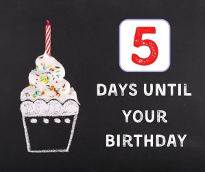 Fun Chalkboard Birthday Countdown for Kids. Celebrate your kids birthdays with this fun tradition to start with the kids the week before their birthday. #birthdaytraditions #birthdaycountdown #chalkboard #meaningfulbirthday