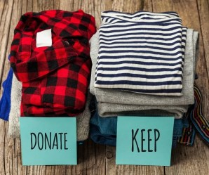What to Get Rid of When Decluttering Your Home and how to organize with a Keep, Throw and Donate system. A stress-free way to declutter your home without getting overwhelmed. #decluttering #declutter #organizationtips #howtodeclutter