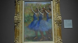 Londres National Gallery_8 - Hilaire Germain Edgar Degas - Three Dancers in Violet Tutus
