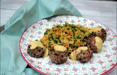 boulettes d'agneau et riz aux épices douces