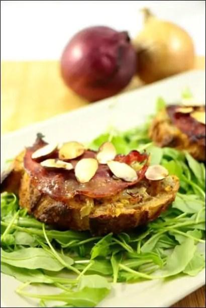 bruschetta oignon pancetta amandes