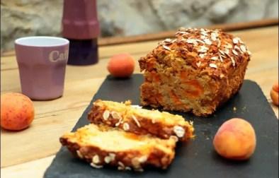 cake healthy aux abricots et flocons de céréales sans gluten sans lactose