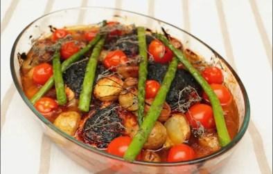 cuisses de poulet rôties et leurs légumes printaniers
