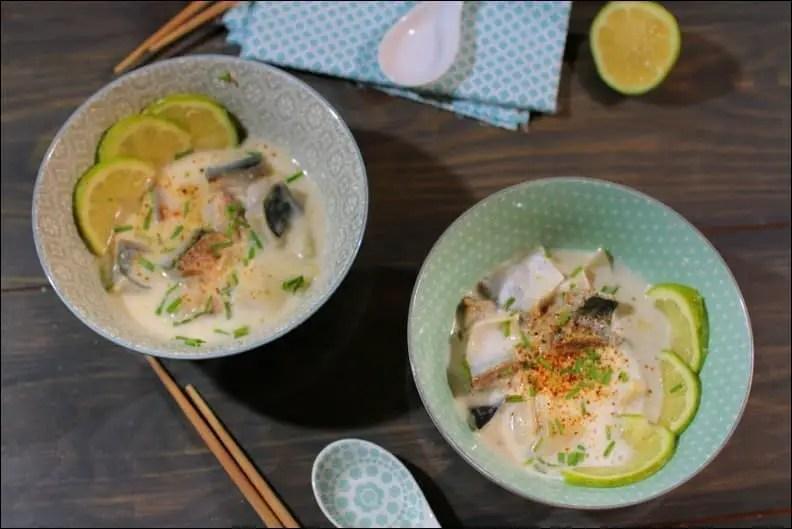 bouillon thaï coco citronnelle et filets de maquereau