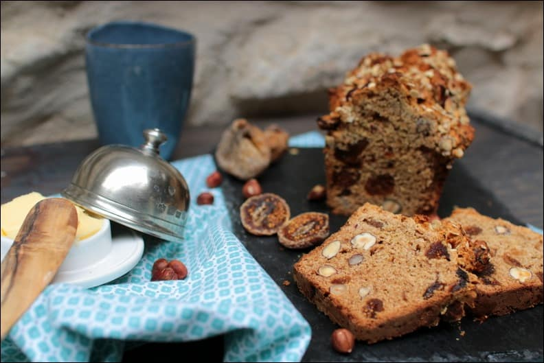 irish soda bread complet aux noisettes figues et abricots séchés sans œuf