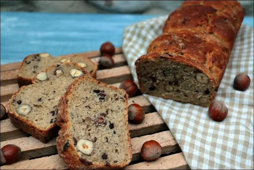 pain aux noisettes et fèves de cacao