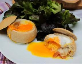 pains farcis à l'oeuf, au jambon et au fromage