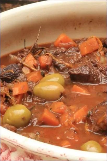 joues de boeuf sauce tomate olives