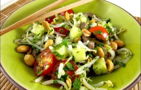 yam nua salade de boeuf à la thaï