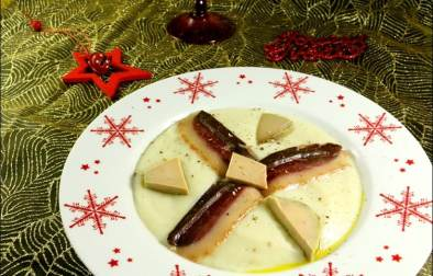 velouté de topînambours au foie gras et magret de canard fumé