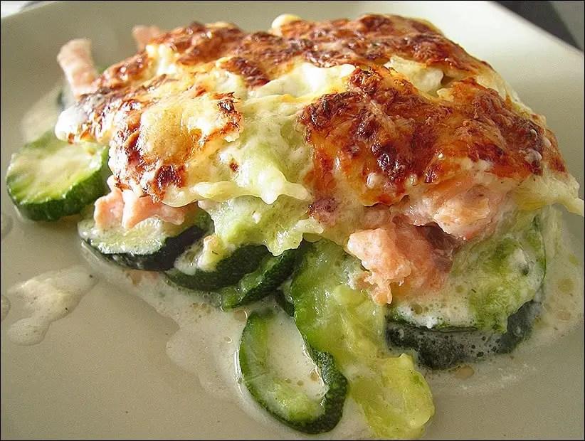 gratin de coiurgettes aux ravioles du Dauphiné et au saumon