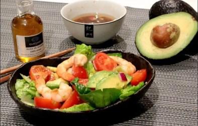 salade de crevettes et avocat à l'asiatique