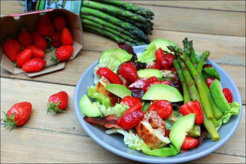 salade de poulet asperges et fraises