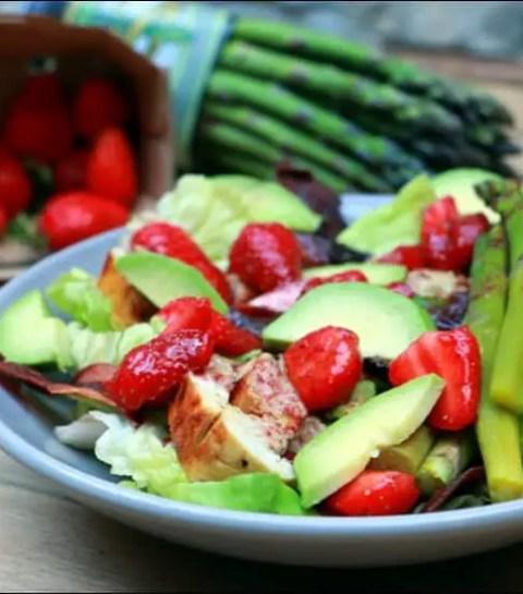 salade printanière de fraises et poulet