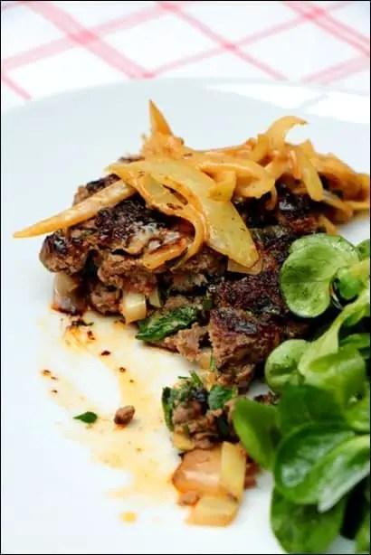 steak hache aux oignons recette