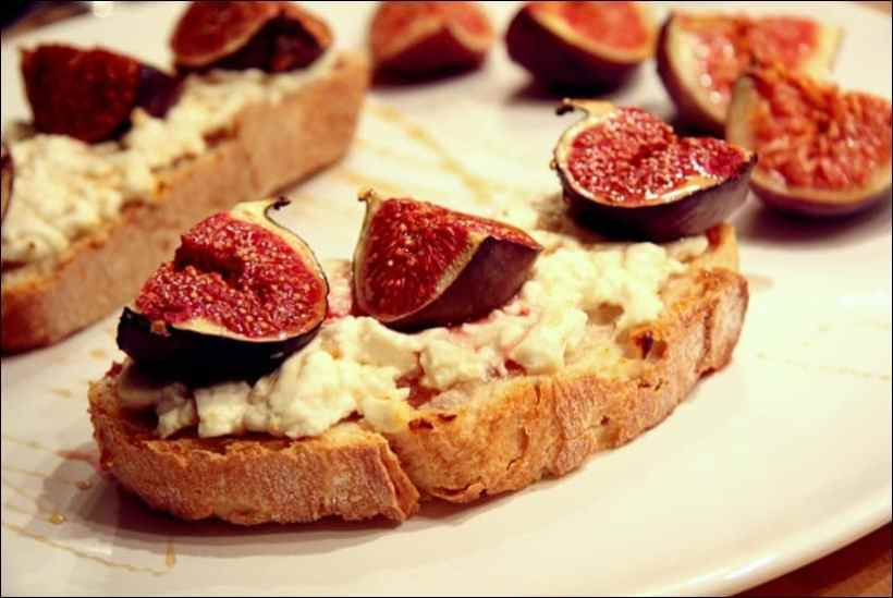 tartines chevre figues