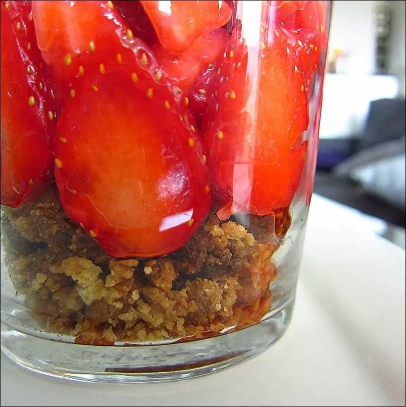verrine fraise chantilly biscuit