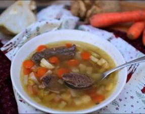 soupe de joue de boeuf façon pot-au-feu