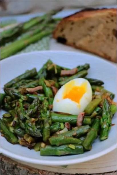 recette fricassée d'asperges lardons