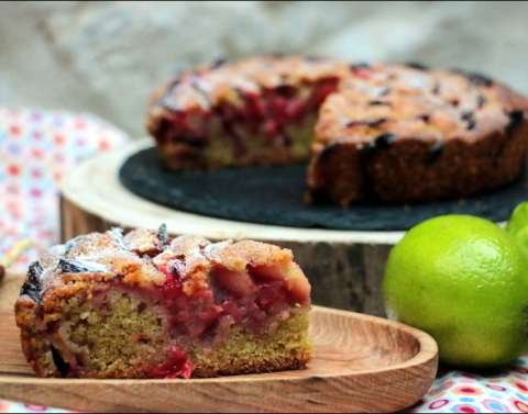 gâteau moelleux à la fraise et citron vert