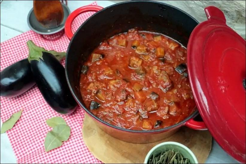 aubergine tomate four