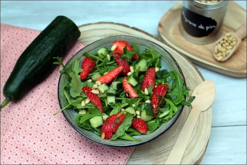 salade salée fraises roquette concombre