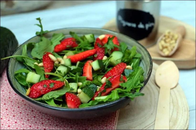 salade de fraises à la roquette et pignons