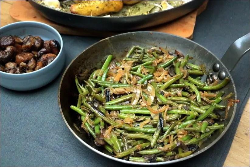 poelee haricots verts oignons caramelisés