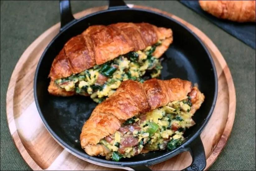 croissants oeufs brouillés épinards