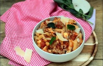macaroni au ragoût à la tomate et à la mozzarella de Cyril Lignac
