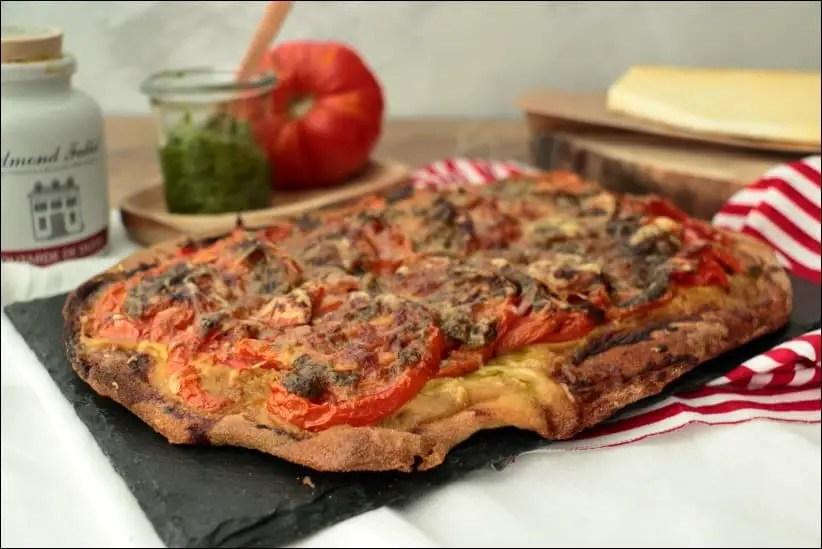 tarte à la tomate pesto et cantal