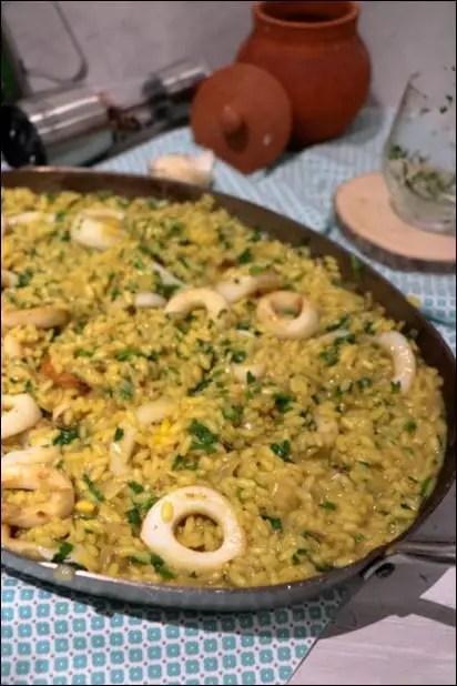 riz à l'espagnole calamars et safran