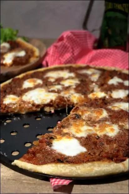 pizza bolognaise lardons