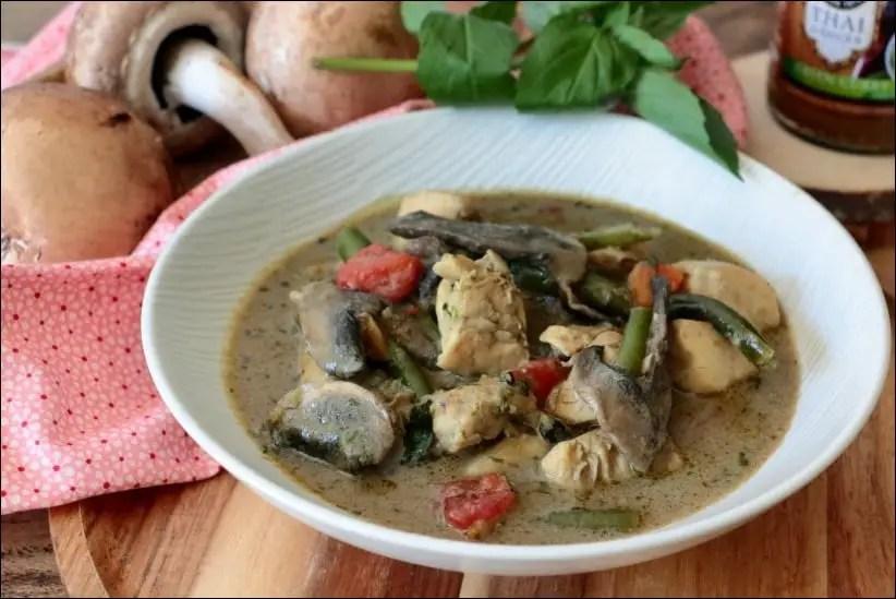 poulet curry lait de coco champignons
