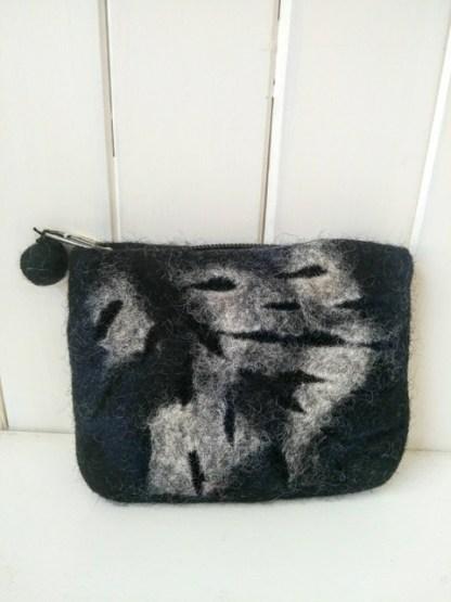 felt leaf purse black