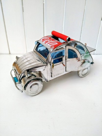 red roof 2CV