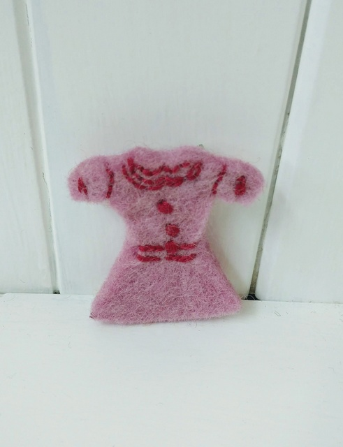 pink dress brooch