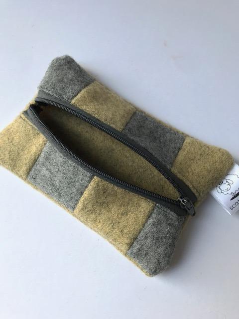 wool pouch 2