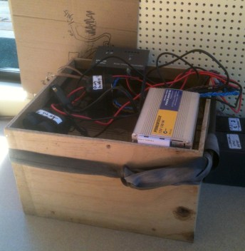 the Happy, simply system - batteries, controller, inverter and set to use